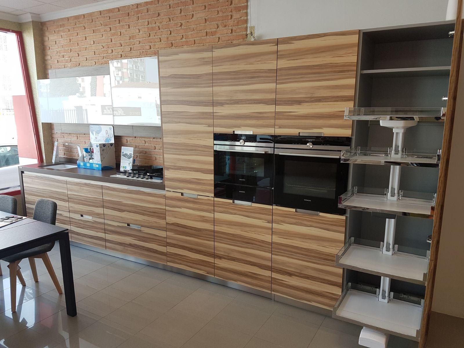 Muebles de cocina exposicion stunning muebles de cocina for Liquidacion muebles valencia