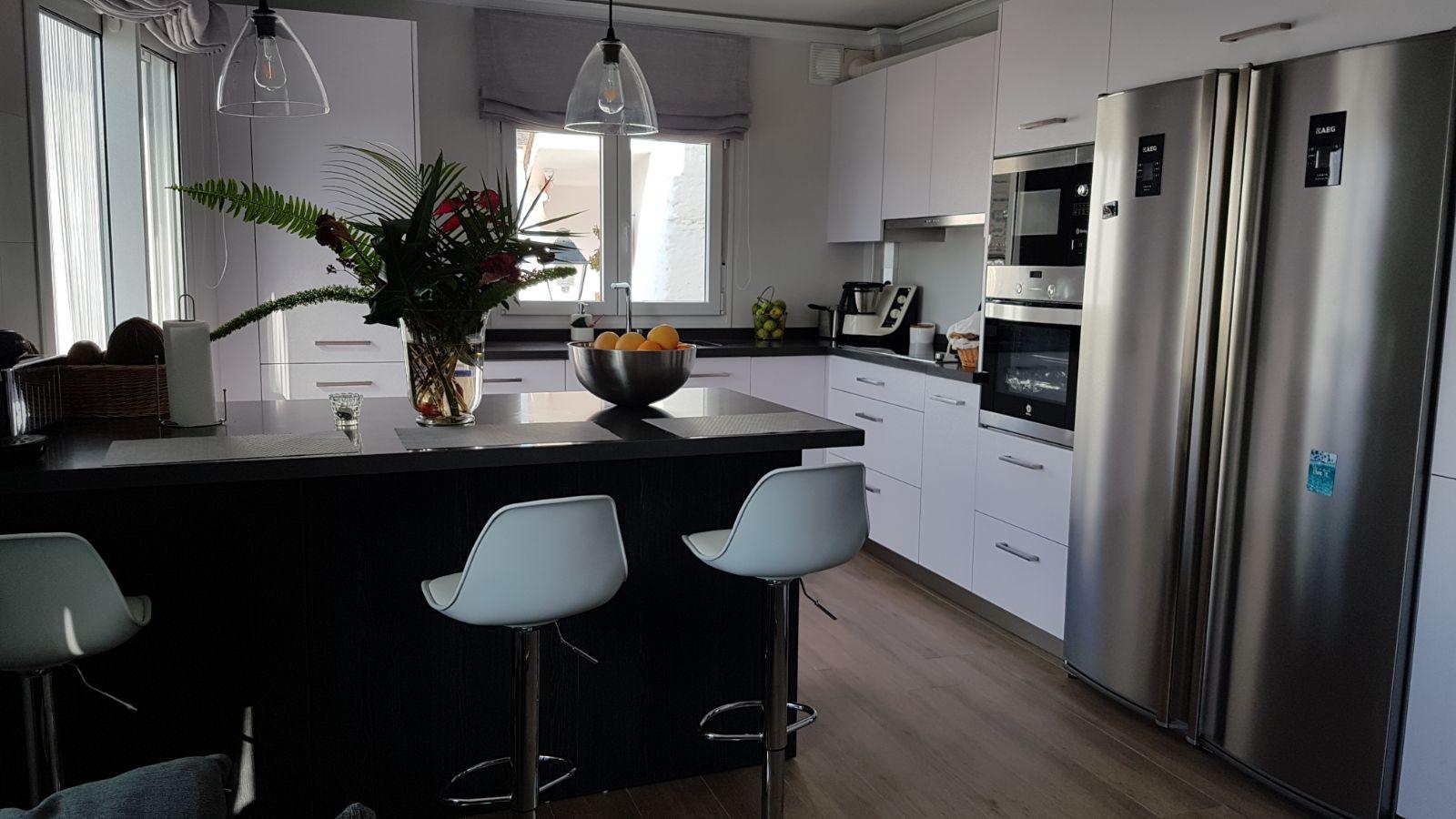 Idecocina dise o e instalaci n de cocinas en m laga for Diseno de cocina online