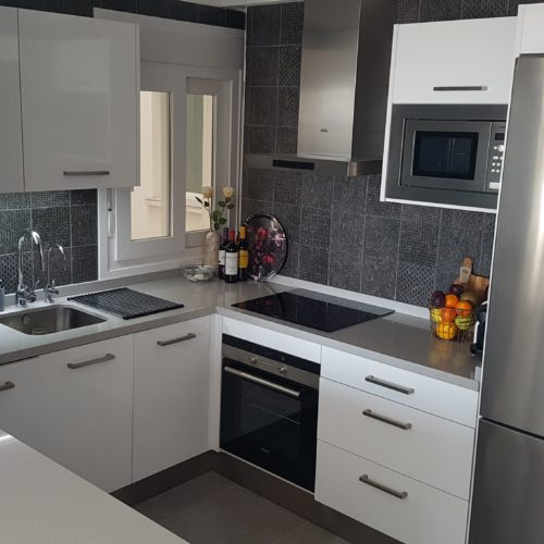 Compact kitchen in Nerja- Idecocina
